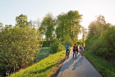 Radfahren auf dem autofreien Radweg