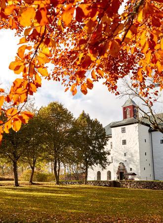 Torpa Stenhus in Länghem im Herbst